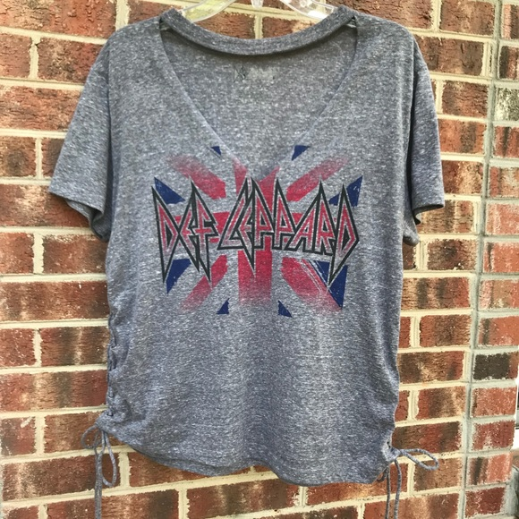 bd0b665cfd30 Unlknown Tops | Def Leppard L Gray Tshirt With Tie Up Sides | Poshmark